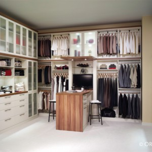 Notched Closet Shelves Hold Your Items Securely In Place And Are Easy To  Change For Seasonal Wardrobe Changes