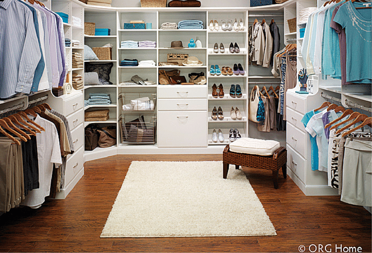 A Visual Divide Between His And Hers Closet Areas In Walk Columbus
