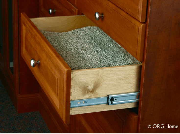 Dovetail drawer box in a custom closet design @InnovateBuild