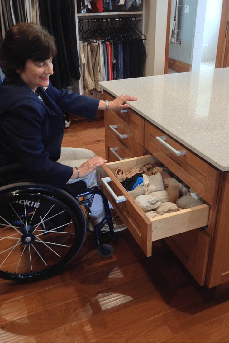 8 tips for a universal design closet| Innovate Home Org Columbus Ohio