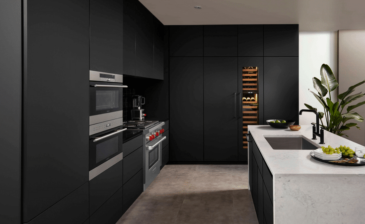 Black laminate kitchen using nanotechnology to eliminate fingerprints - wow a cool way to use tech to make a kitchen or pantry more stylish! | Innovate Home Org Columbus Ohio
