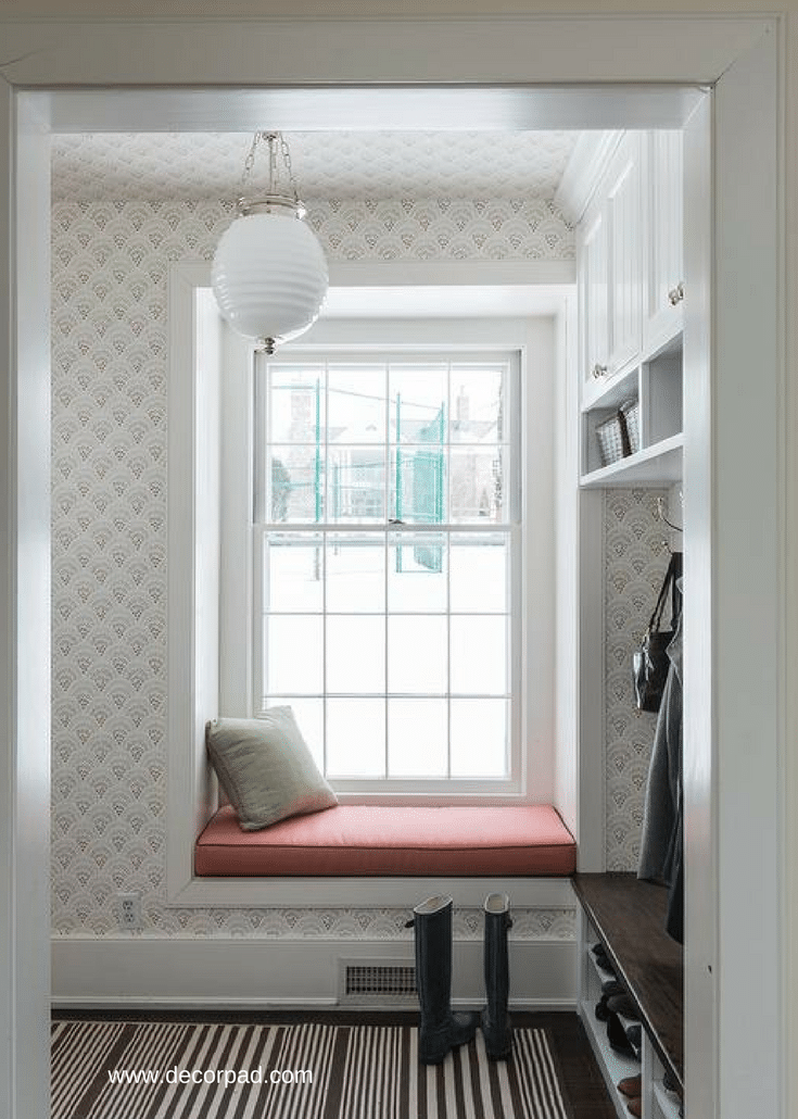 Window seating inside of a mudroom | Innovate Home Org Columbus Ohio