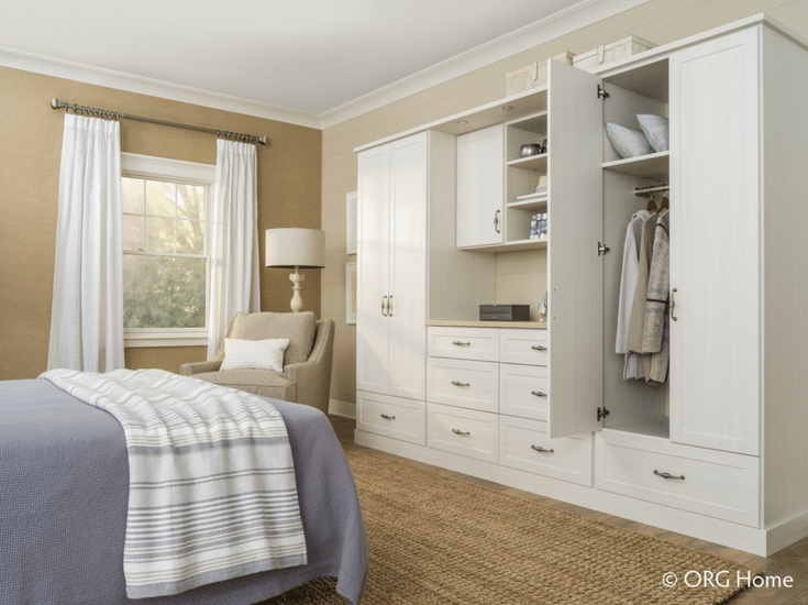 Custom wardrobe for a spare guest room in Columbus Ohio | Innovate Home Org