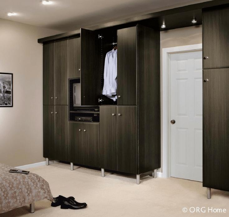 Wardrobe Closet in a Loft Apartment | Innovate Home Org | #DowntownColumbus #ApartmentCloset #ApartmentStorage
