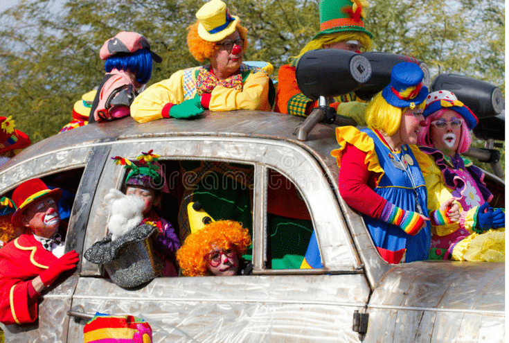 Clowns in Volkswagen www.dreamstime.com