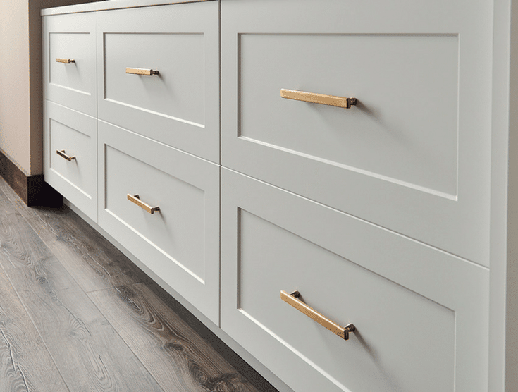 Hardware as Jewelry for Drawers | Innovate Home Org | #ColumbusClosets #DrawerKnobs #ClosetDrawers