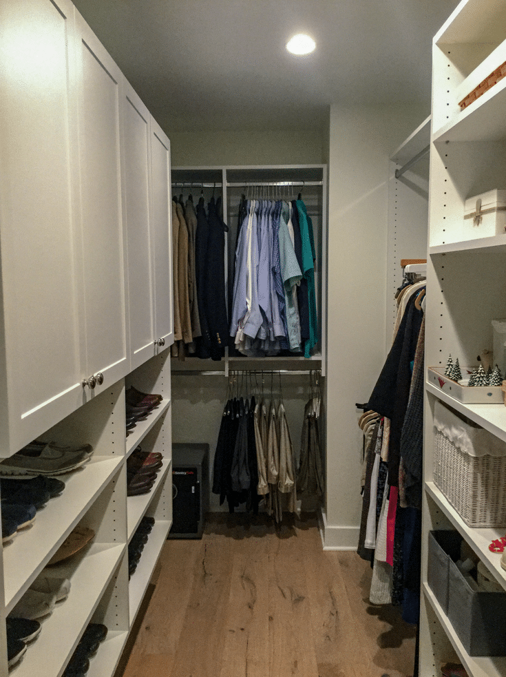 Neat and organized master closet | Innovate Home Org | #OrganizedLiving #OrganizedCloset #MasterCloset #EmptyNester