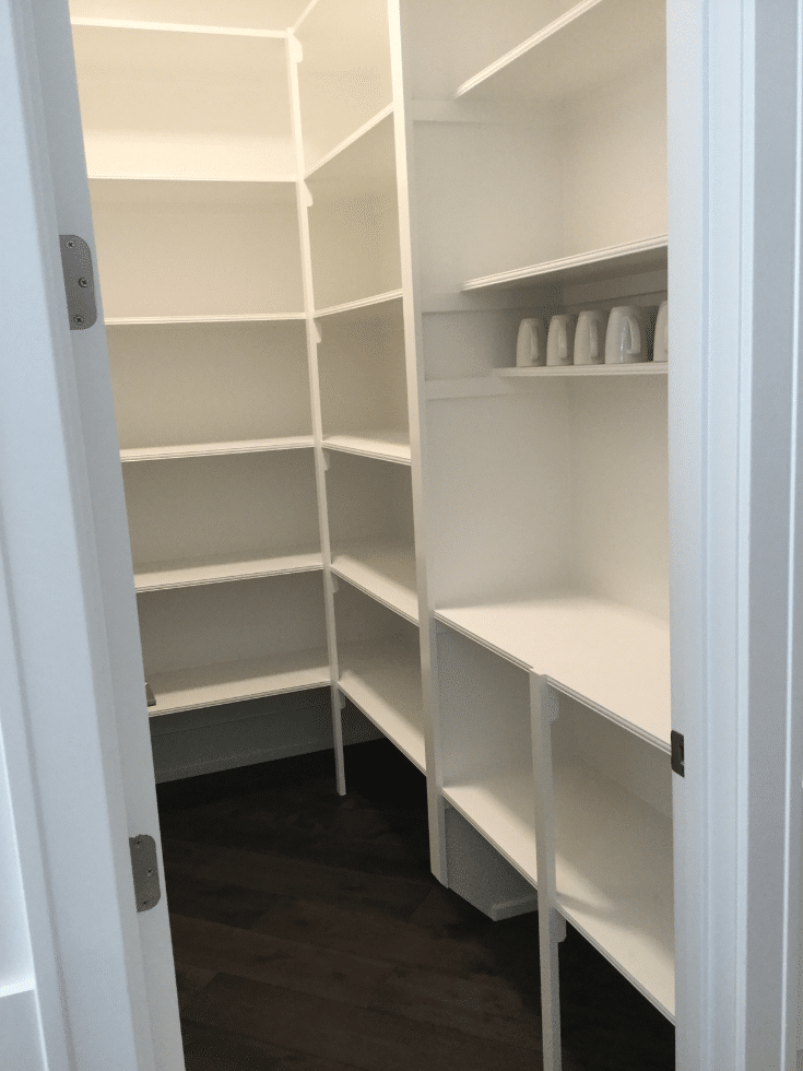 Columbus pantry shelves which are unadjustable in a parade home | Innovate Home Org  | #PantryShelves #OrganizationTips #PantryStorage