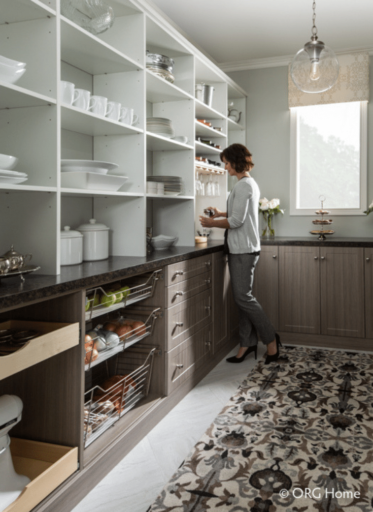 An adjustable pantry system in Columbus ohio | Innovate Home Org | Innovate Building Solutions | #PantryStorage #OrganizedPantry #BeautifulPantry