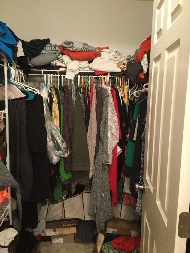 Disorganized closet isn't better when you shut the closet door | Innovate Home Org | Dublin, OH | #DisorganizedMess #MessyCloset #OrganizationTips