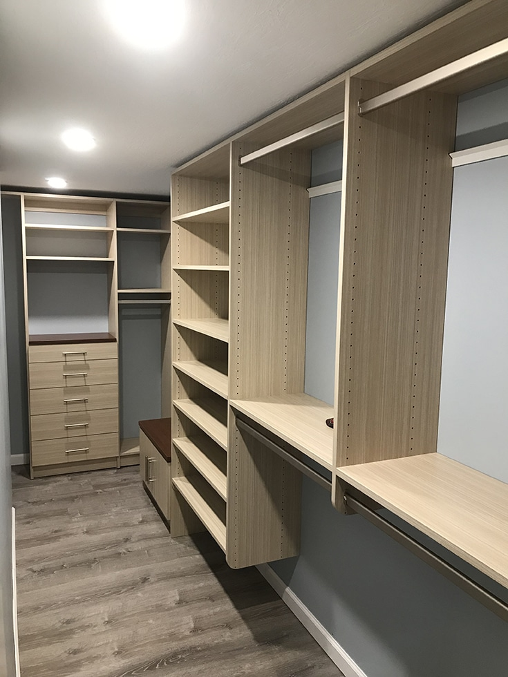 wall double hung sections in a custom columbus closet | Innovate Home Org | #DoubleHungShelf #HangingSpace #CustomCloset