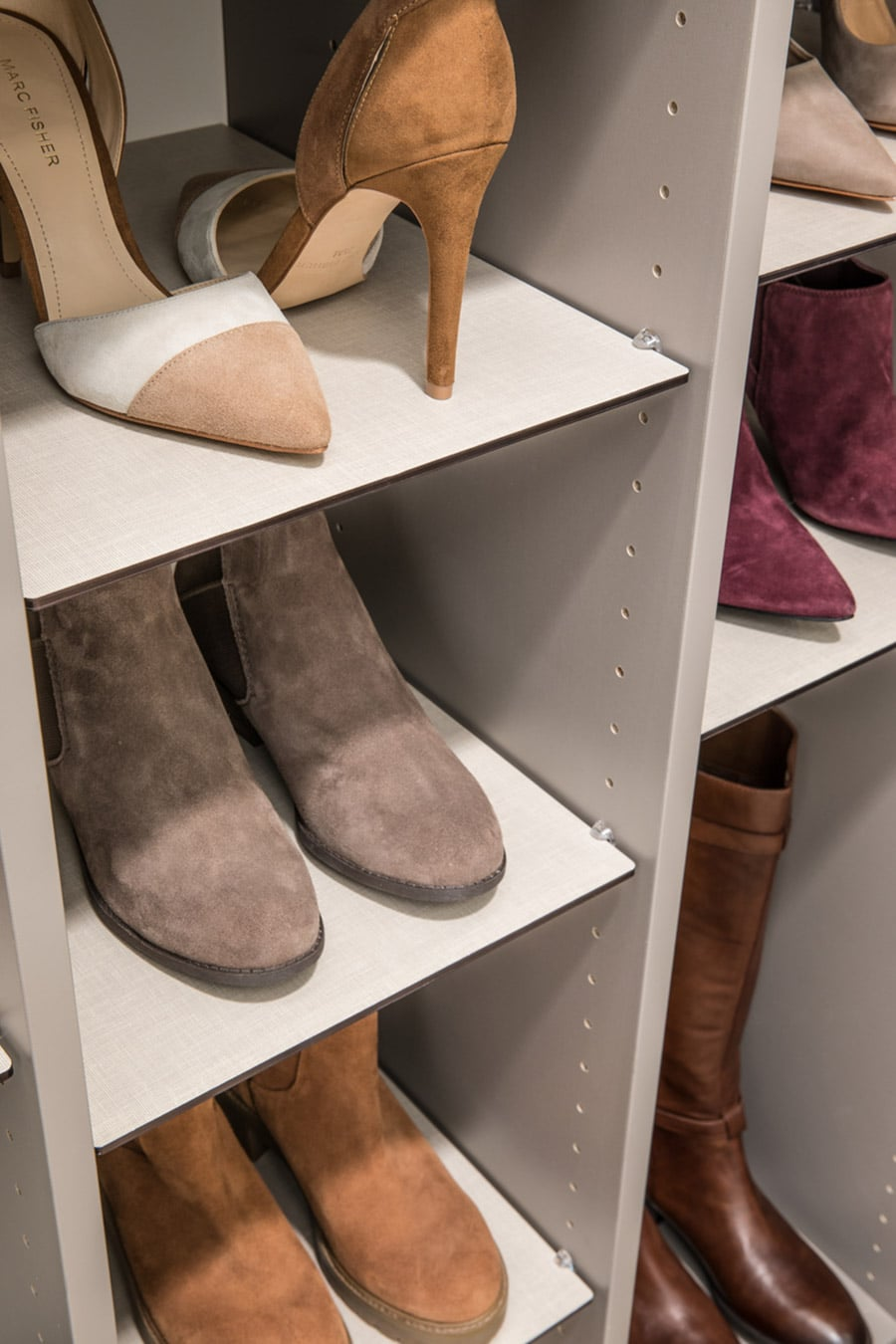 Adjustable shoe shelves for boot and high heels Columbus ohio | Innovate Home Org | #ShoeShelving #StorageSystem #OrganizationSystem