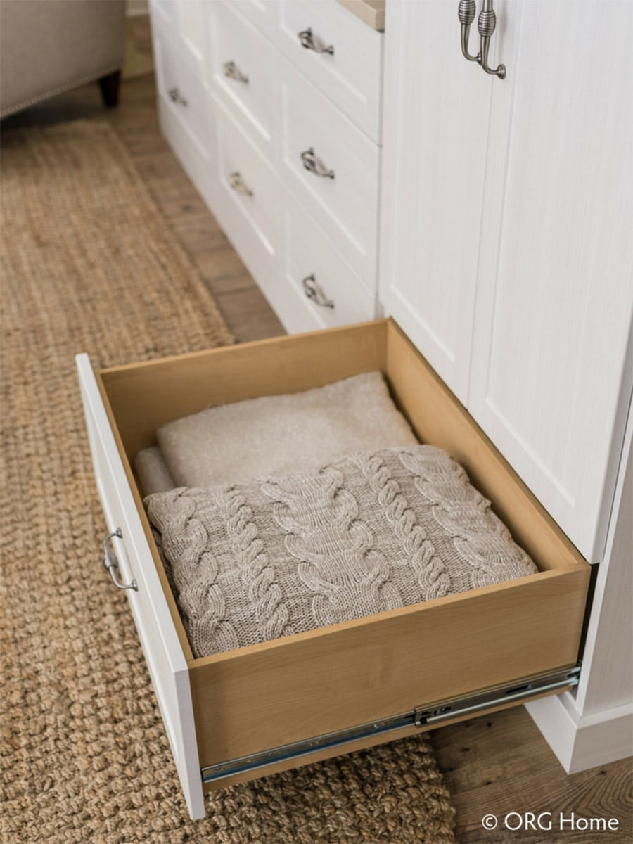 Idea 3 drawers to gain closet space Columbus Ohio | Innovate Home Org | #CustomDrawers #CustomShelving #ClosetSystem #ColumbusClosets