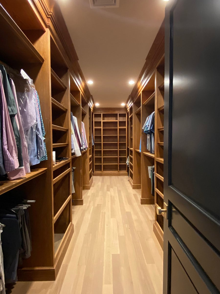 Use trim carpenter a hardwood custom closet in New Jersey | Innovate Home Org | #TrimCarpenter #CustomCloset #Hardwood