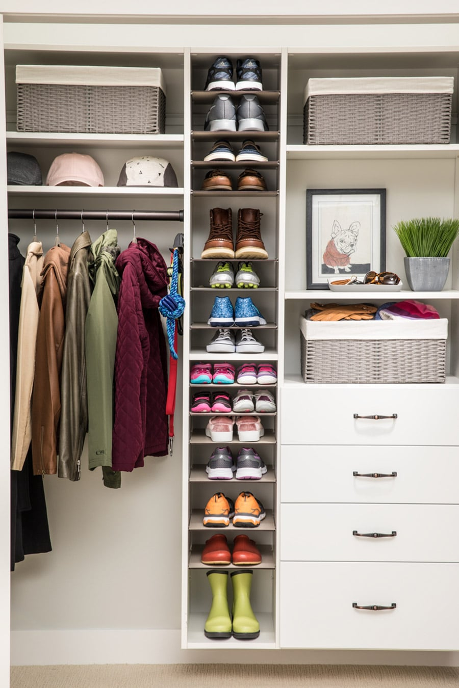 Cost effective white laminate closet with drawers columbus ohio | Innovate Home Org | #ClosetSystem #ReachIncloset #OrganizationSystem