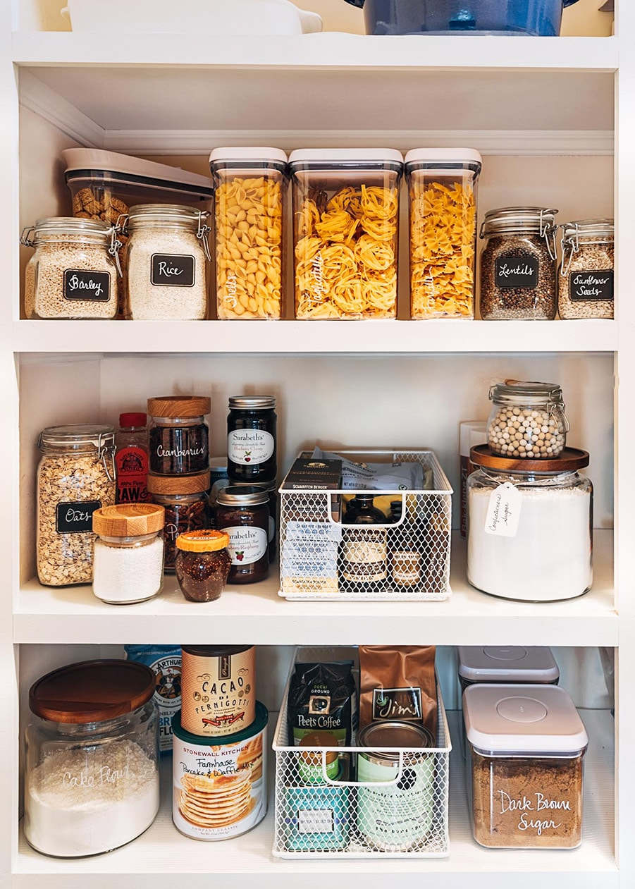 Clear containers and jars Credit Stiped Spatula.com | Innovate Home Org | Columbus Pantry | Pantry Organizers | Storage Solutions | #Storage #PantryStorage #ClearContainers