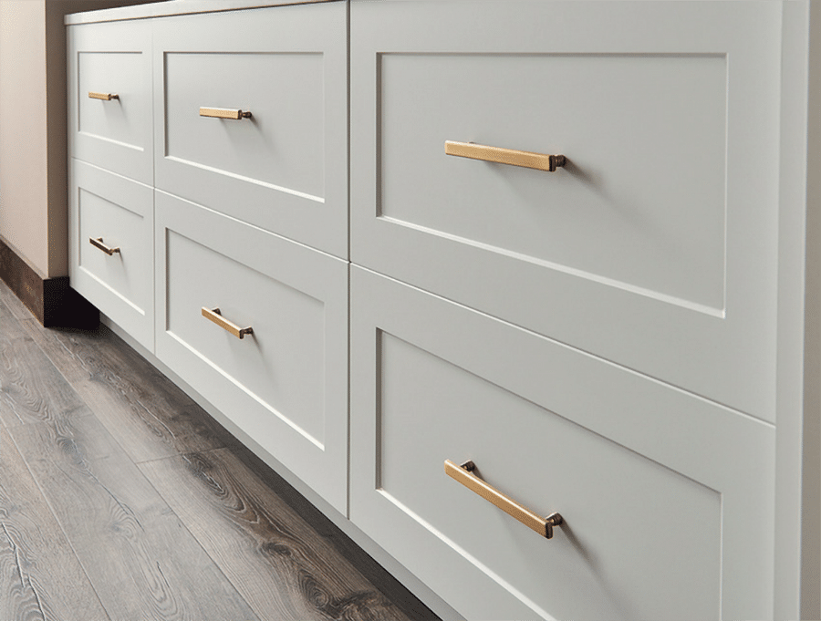 shaker cabinets in a closet dresser in New Albany Columbus Ohio | Innovate Home Org | #Cabinets #DrawerFronts #CustomDrawers #BeautifulCloset