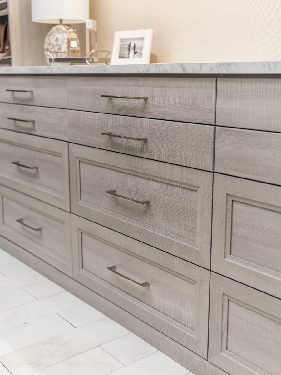 Step 6 shaker drawers in a new albany custom closet which compliment bathroom remodel | Innovate Home Org | #CustomDrawers #OrganizationSystem #Organize #WalkinclosetDesign