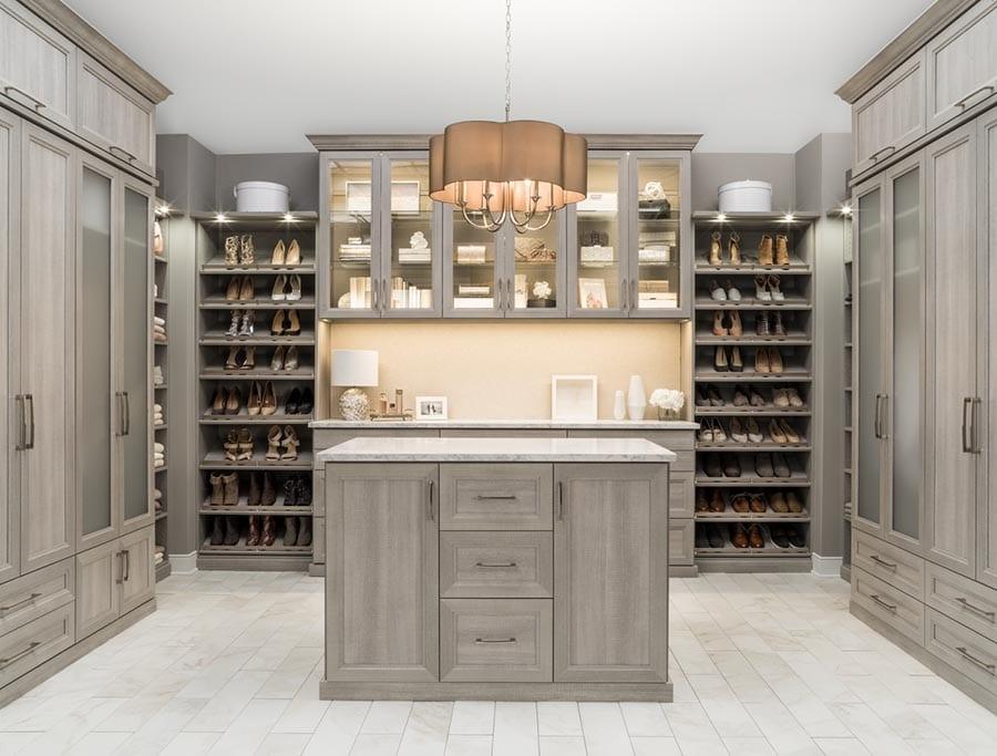 Idea 5 crown molding New Albany custom closet | Innovate Home Org  | #CustomCloset #Organization #StorageSolutions