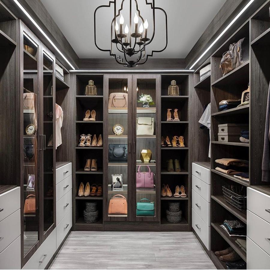 Laminate closet system from Closet Envy credit Organizers Direct Custom Closet | Innovate Home Org | #customcloset #OrganizationStorage #organization #Closets