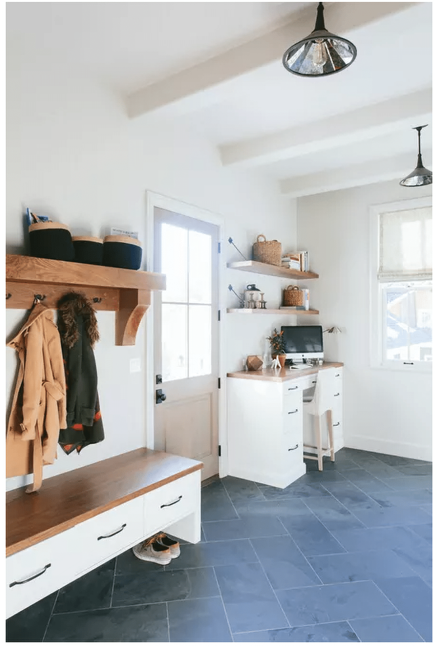 Factor 8 wood bench seat credit www.katemarkerinteriors | Innovate Home Org | #BenchSeat #Mudroom #StorageSolutions #Organization