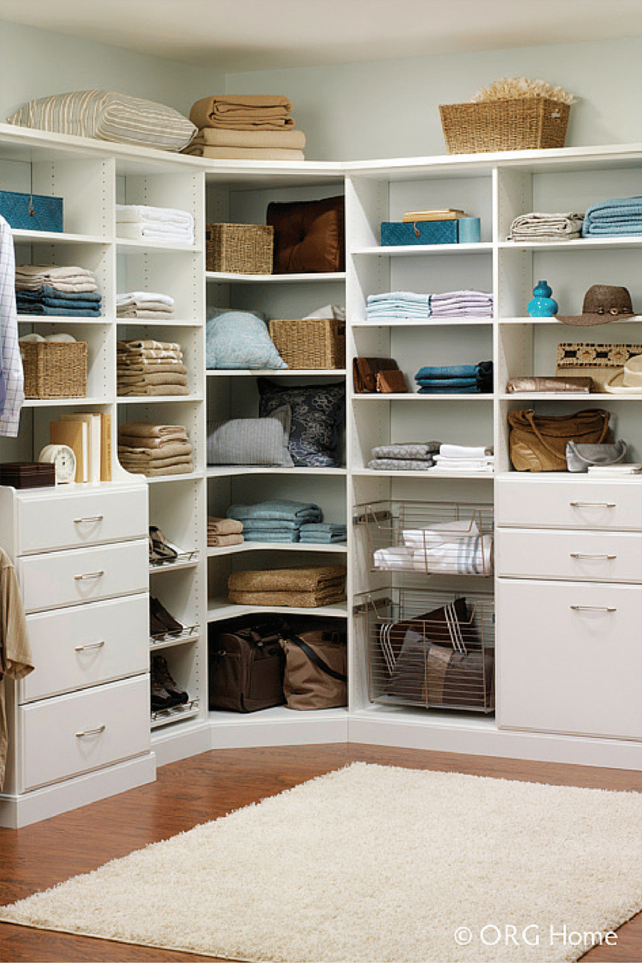 2 don't use corner shelves in a closet for a small walk in closet columbus  | Innovate Home Org | #Customcloset #Organization #StorageSystems
