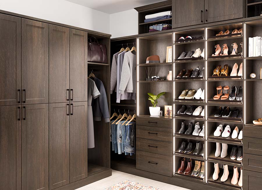 Trick 5 custom closet with raised shoe shelves Columbus ohio | Innovate Home Org #CustomStorage #Organization #ShoeSelves