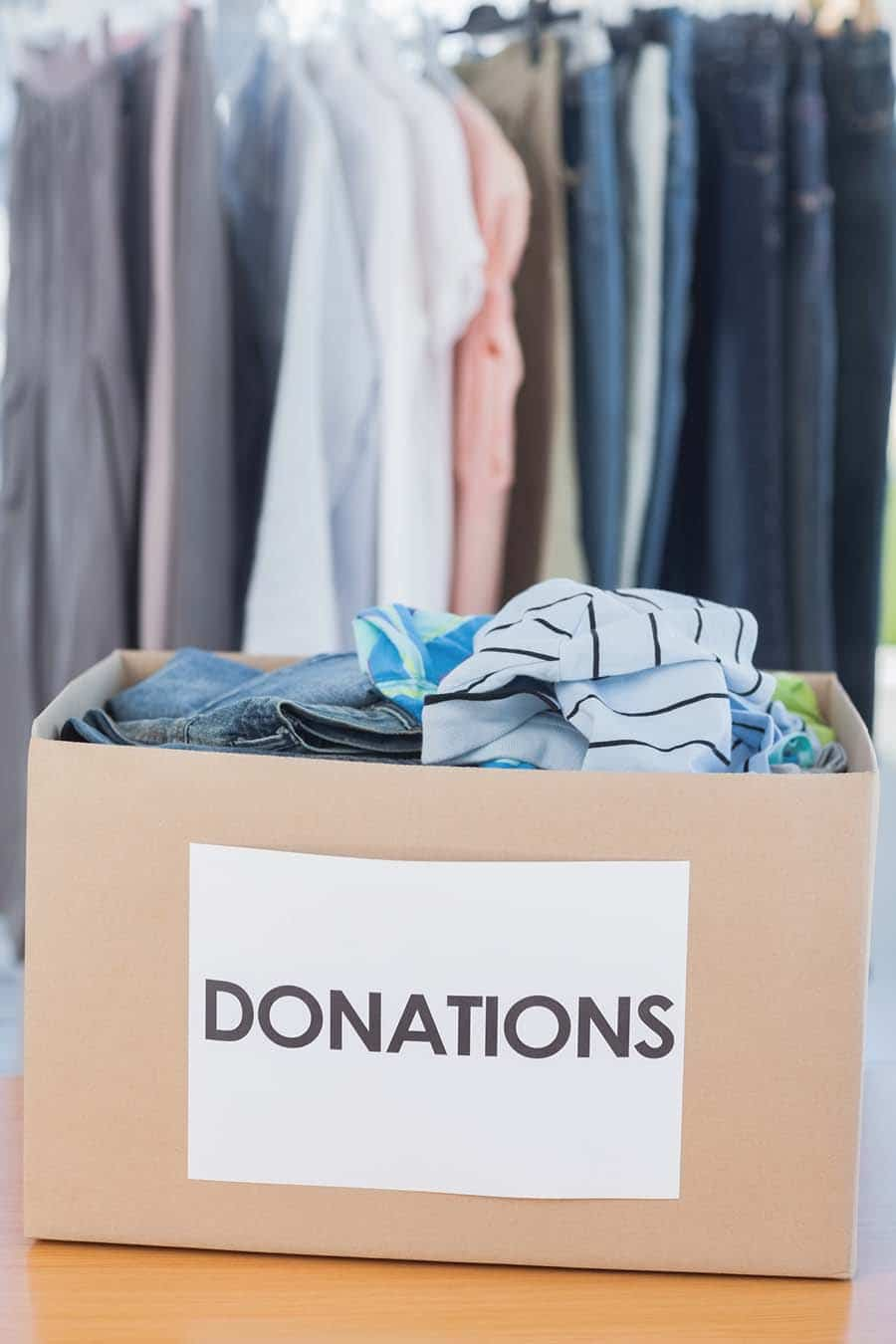 Strategy 9 donating clothes to declutter your columbus closet | Innovate Home Org #DonatingClothes #Declutter #StorageOrganization