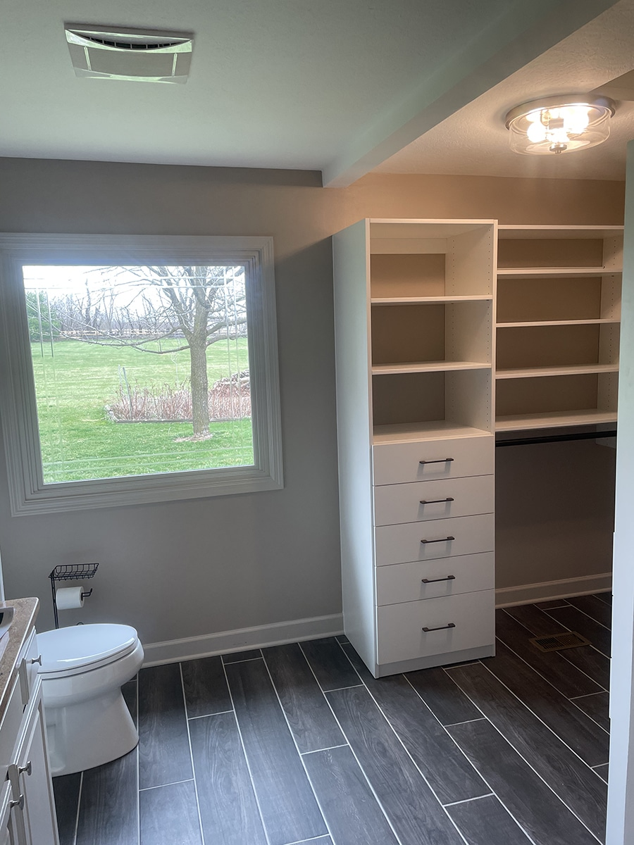 Idea 1 a mix of floor based and wall hung closet sections Hilliard Columbus Ohio | Innovate Home Org | Dublin, OH #CustomCloset #OrganizationSystem #WallHungCloset #FloorBased