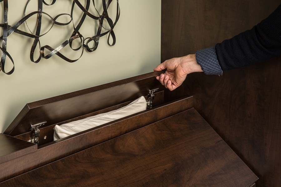 Smart idea 3 pillow box in a Queen sized Columbus Ohio murphy wall bed   Innovate Home Org #Pillowbox #Murphybed #Pillowstorage